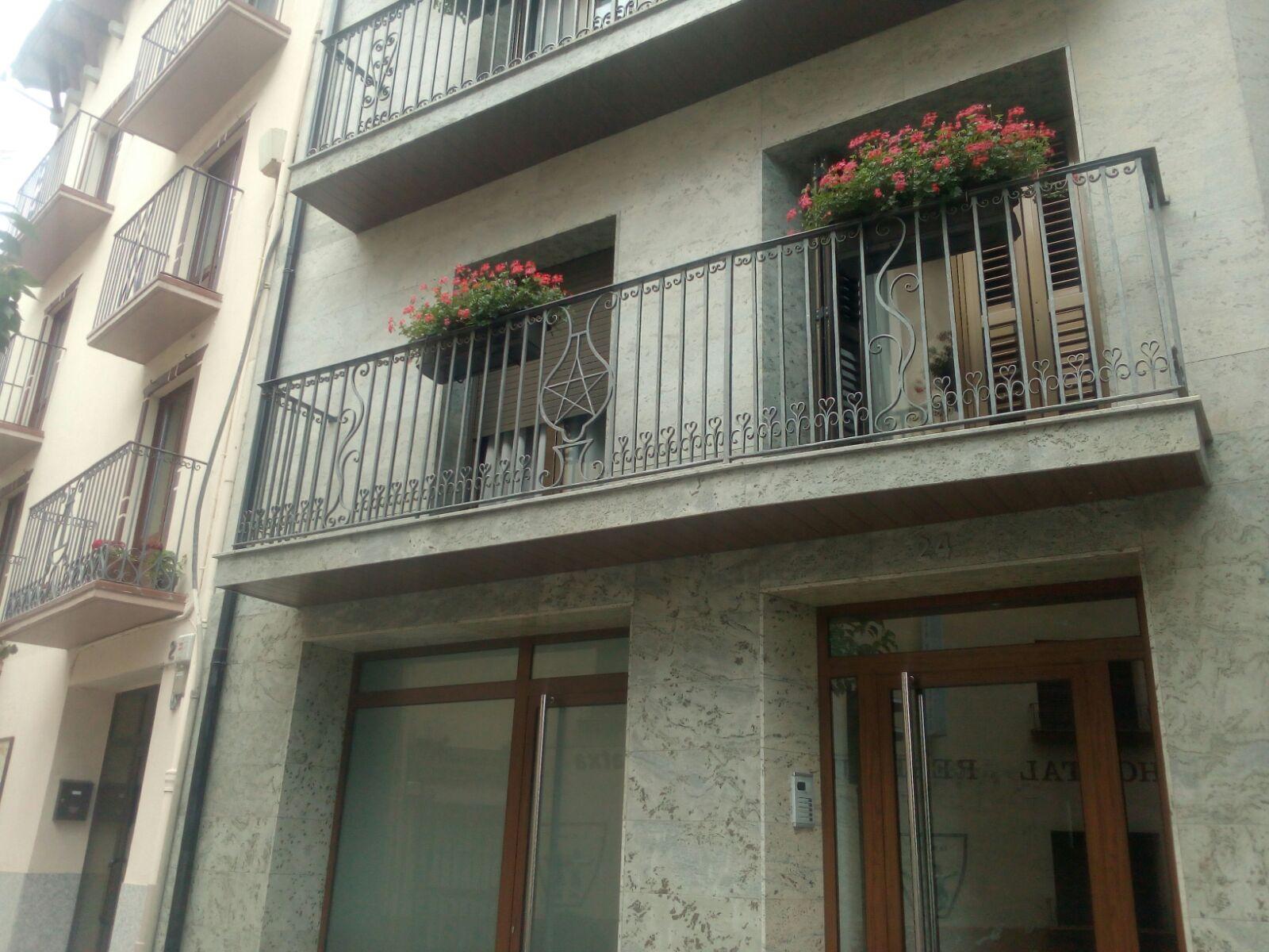 Baranes de balcons i terrasses a mida