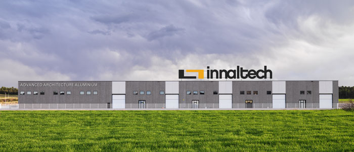 Innaltech, marca registrada de Grifell Pons S.L.,diseña y ensaya multitud de sistemas en cerramientos de aluminio para obtener las soluciones tecnológicamente más estéticas, energéticamente eficientes y globalmente sostenibles.